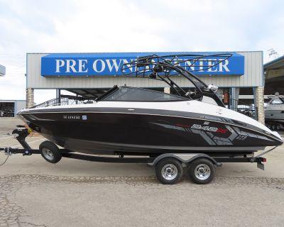 2017 Yamaha Boats 242 XE