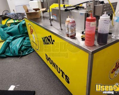Lil Orbits 1200 Mini Donuts Concession Kiosk w/ Down Draft Cart