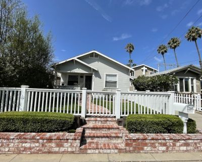 Classic & Affordable Beach Cottage! A Short & Easy Walk To The Sand! - Huntington Beach