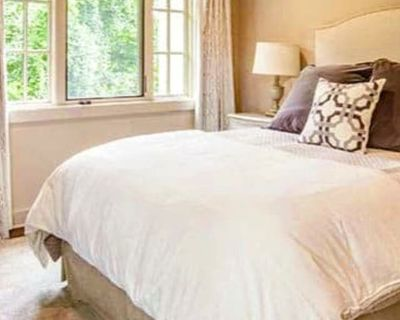 Private room with own bathroom - Charlotte , NC 28269