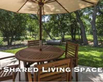 Shared room with shared bathroom - Canoga Park , CA 91306