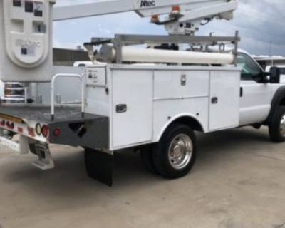 2011 Ford Super Duty F-450 Chassis Cab XL