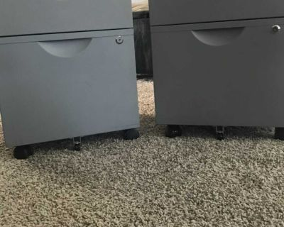 Under the desk rollaway filing cabinet with key