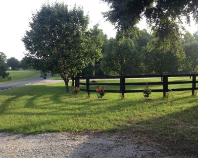 Beautiful, PET FRIENDLY Country Cottage!!! Near eventing venues. - Aiken County