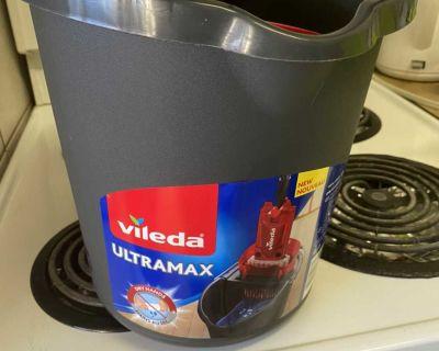 New mop bucket