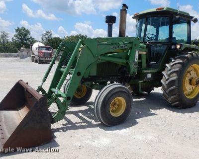 1976 JOHN DEERE 4430 Tractors