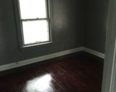 517 Oakley Ave #1, Rockford, IL 61101 3 Bedroom Apartment
