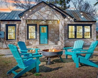 Fulton House | King Beds | In Town | Outdoor Fire pit - Fredericksburg