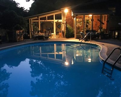 The Owl House! MidCentury Modern Emory, CDC, VA, Decatur Square. Pool Now Open! - North Decatur