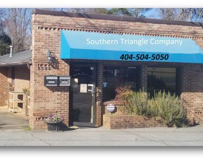 Office/Shop or Retail with rear 2.2 acre yard