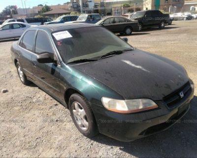Salvage Green 2000 Honda Accord Sdn