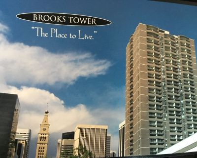 BrooksTower:15th floor condo w/ sunset mountain view, new TV/furniture/carpet - Downtown Denver