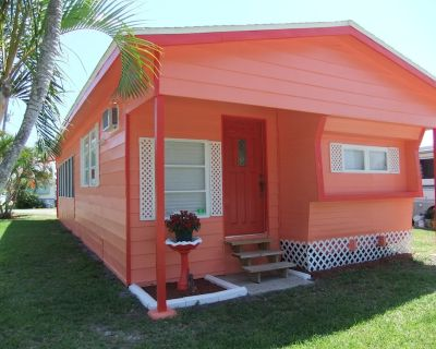 Sunset Cottage, minutes from world class fishing in St. James City - Saint James City