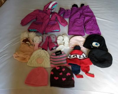 Lot of baby girl winter clothes from 12 to 24 months