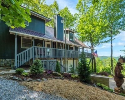 The Lazy Moose | Long-range Mountain Views, Game Room, and Gas Fireplace! - Old Fort