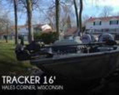 16 foot Tracker 16