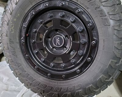 """18"""" 463 industries wheels and TOYO Open Country AT/III: 285/65R18 almost new"""
