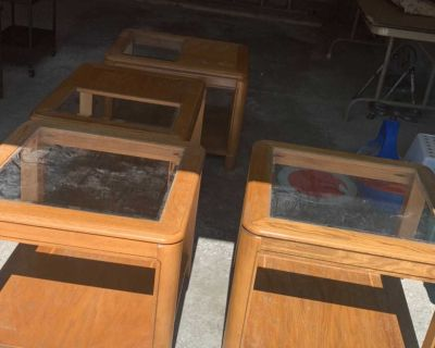 Set of 4 end tables