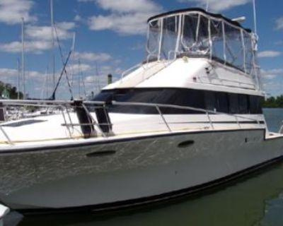 1991 Luhrs 3400 Motor Yacht