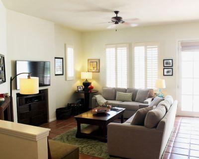 Beautiful Remodeled Legacy Villas Townhome, Panoramic Mountain Views! - La Quinta