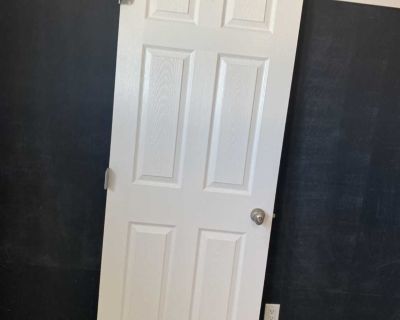 30 right swing door with lock and hinges