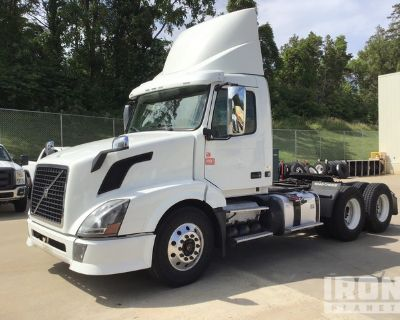 2014 Volvo VNL 6x4 T/A Day Cab Truck Tractor