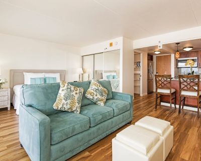 *Professionally Sanitized*Ocean View Condo w/Full Kitchen At The Ilikai Hotel - Waikiki
