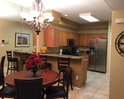Largest Fully Remodeled 2 bd. plus loft, 2 bath, Overlooking Pool, Gated, Tennis - North Mountain