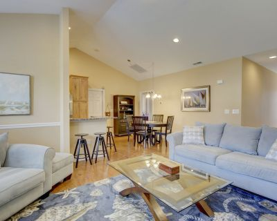 Unit 304 @ 19973 Sandy Bottom Cir - The Tides, 3 Bedroom, 2 Bath, Stunning Townhouse, East of Rt 1, Sleeps 6, Pool, Walk/bike to Downtown, Includes Sheets & Towels in 2020 Includes 1 RB City Parking Hangtag - Rehoboth Beach