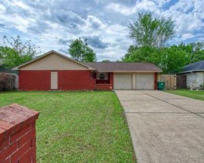 12618 Barbizon Dr, Houston, TX 77089 3 Bedroom Apartment