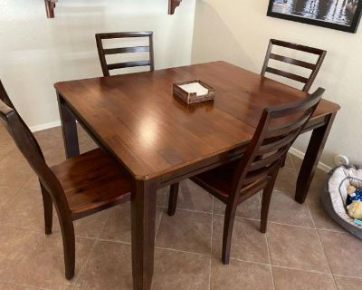 LJ Online Estate Sale Auction by Caring Transitions - Ends 8/5!
