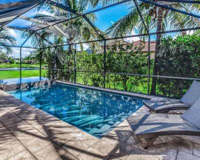 Lagoon-front home w/ private saltwater pool, spa & shaded lanai - Pelican