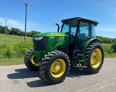 6130D John Deere 4x4 Tractor w/Cab