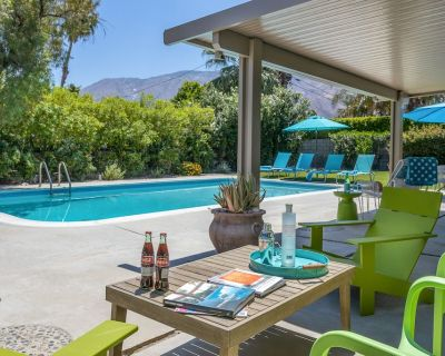 Mid-Century Modern Home with Saltwater Pool & Billiards Room - Racquet Club Estates