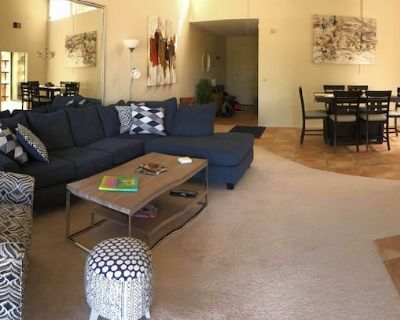 Beautiful newly remodeled 2 bed/2 bath with great views in Monterey Country Club - Palm Desert