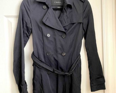 Aritzia Babaton trench/rain jacket