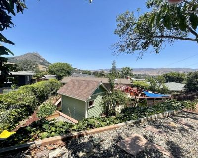 Great SLO Location-close to Hiking, Restaurants, Grocery Stores and More! - San Luis Obispo
