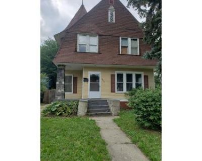 5 Bed 2 Bath Foreclosure Property in Toledo, OH 43610 - Maplewood Ave