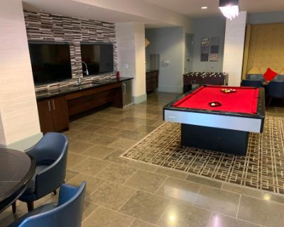 Perfect Game Room Space for Your Small Event, Meeting or Sports Viewing!!!, Arlington, VA