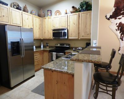 The Longbranch - 1 Bedroom Condo with Great Views of Midtown on the River! - Ruidoso