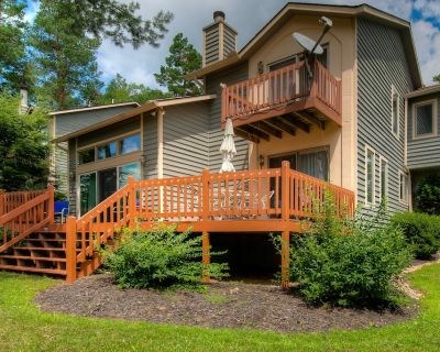 Family-friendly lake home w/gas grill, fireplace, and private dock! - McHenry