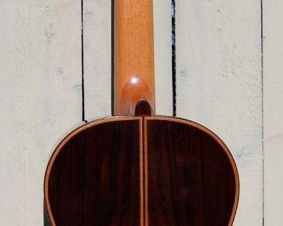 2007 Mariano Tezanos Torres model concert classical guitar