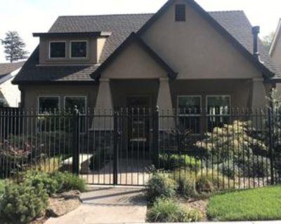 1261 W Lindo Ave #1, Chico, CA 95926 3 Bedroom Apartment