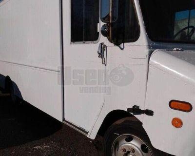Used 2000 Cummins Diesel 5-Speed Stepvan with 18' Cargo Area for sale in Georgia!