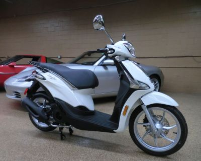 2021 Piaggio Liberty 150 iGet Scooter Downers Grove, IL