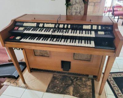 "52"" Wurlitzer Organ"