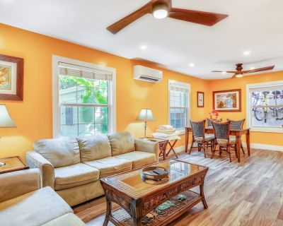 Cozy, dog-friendly townhouse w/ shared pool & courtyard - walk to Duval & more! - Downtown Key West