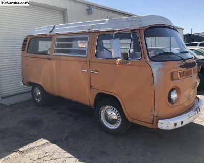 1973 VW Pop top Westfalia camper