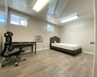 3202 Santa Monica Blvd, Santa Monica, CA 90404 4 Bedroom Condo