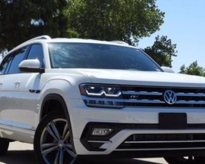 2019 Volkswagen Atlas SE with Technology R-Line